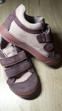 Продам кроссовочки, туфли 25 р