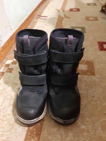 Ботинки для мальчика фирма Ecco