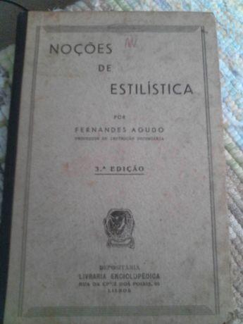 Livro escolar muito antigo