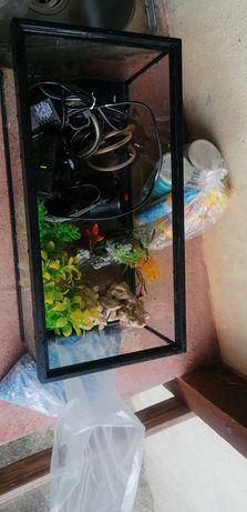 Aquário para tartaruga e peixes. Negociável