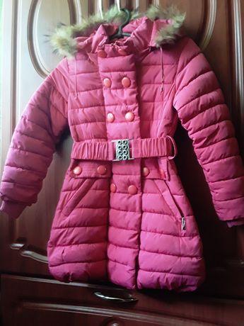 Зимняя куртка на девочку.Недорого