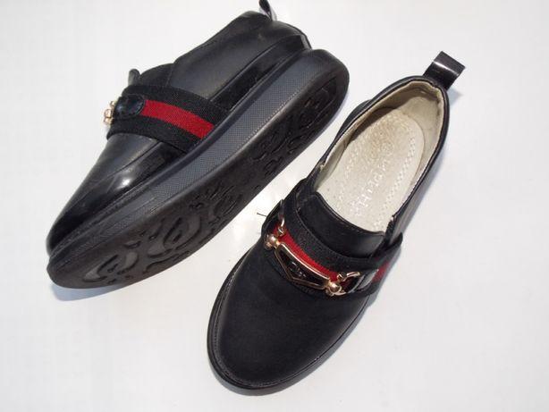 Продам ботиночки осенние для девочки!