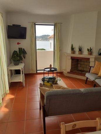 Apartamento T3 em São Martinho do Porto com vista para a baía
