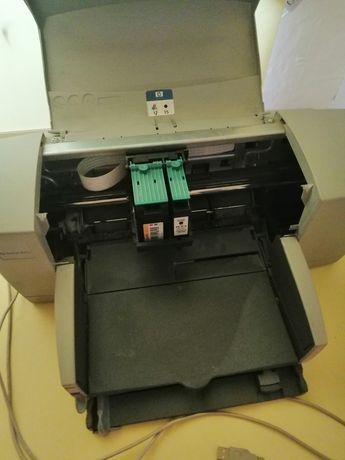 Принтер с картриджей заправлен