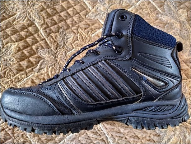 Зимние ботинки на подростка 1000 руб.
