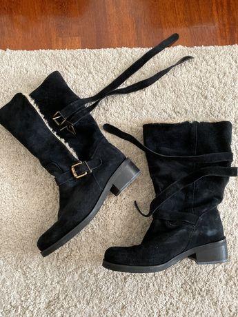 Botas de camurça pretas