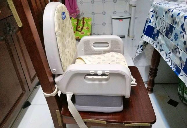 Cadeira de bebe portátil da marca Chico