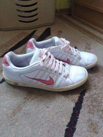 Кроссовки кожа Nike