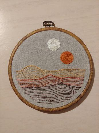 Tamborek ręcznie haftowany obrazek