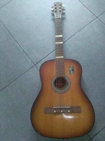 Gitara akustyczna defin