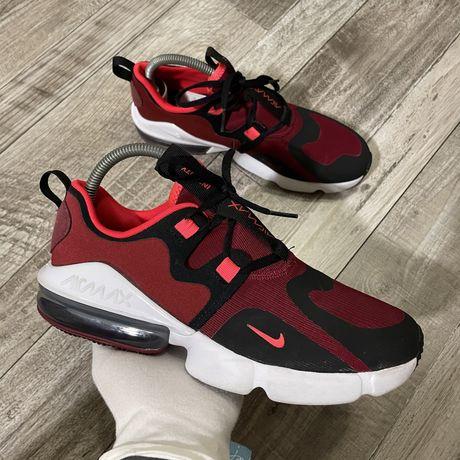 Кроссовки Nike Air Max Infinity