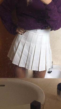 Белая псисированная юбка высокая/завышенная талия