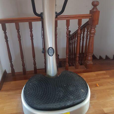 Máquina Vibratória Fitness de Massagens