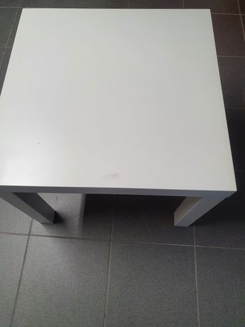 Mesa branca para Sala