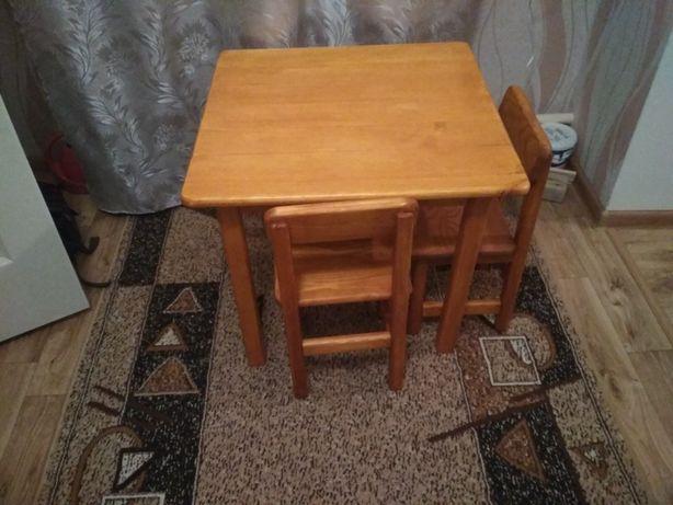 Детский стол и 2 стула из натурального дерева