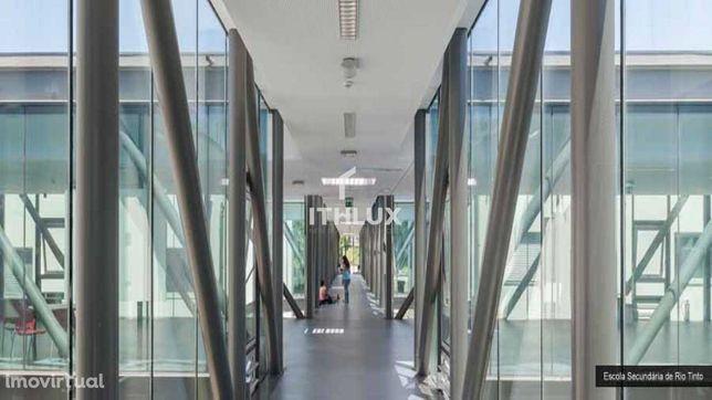 Lote para Construção de área total de 1.395 m2, prédio em altura de 10