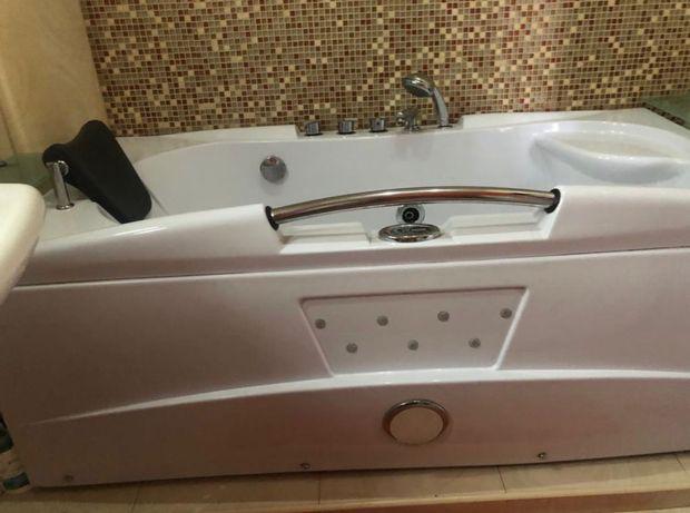 Ванна джакузи 1.65м х 0.85м