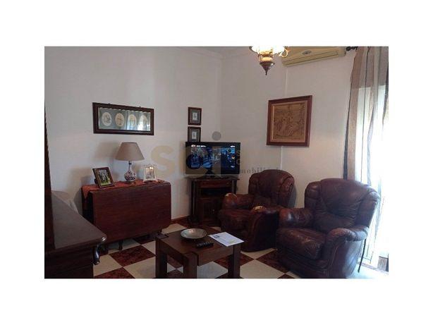 Apartamento com três Quartos, na cidade de Moura muito be...