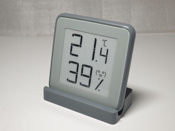 Термометр, гигрометр с BT, работает с приложением Mijia (Xiaomi).