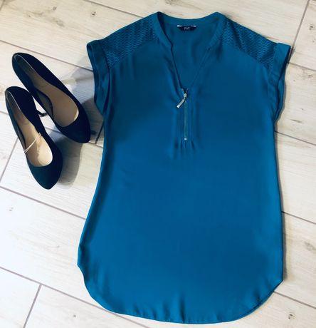 Женская фирменная блуза бирюзового цвета.