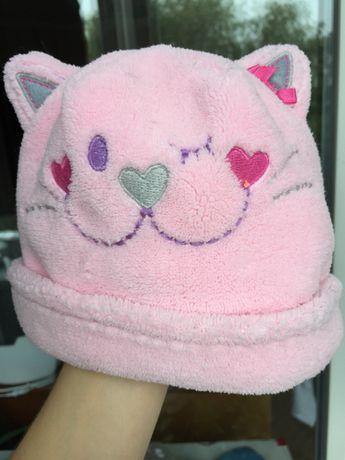 Очень милый наборчик на девочку шапочка и варежки