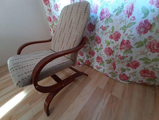 Fotel bujany na płozach  stan bardzo dobry