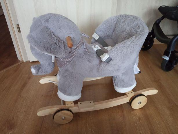 Słoń na biegunach, Słonik na kółkach