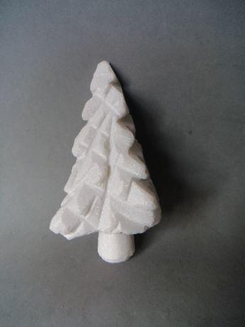 Árvore de Natal esculpida em pedra Altura - 18cm