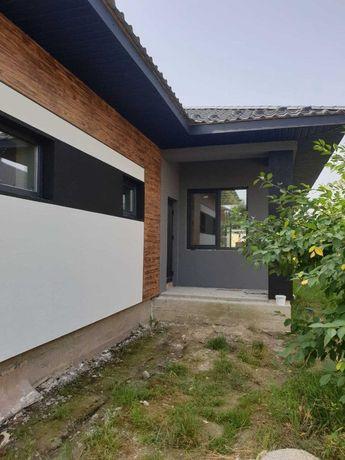 Продаж приватного будинку в Крихівцях