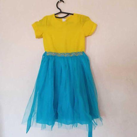 Красивое платье на рост 125-135
