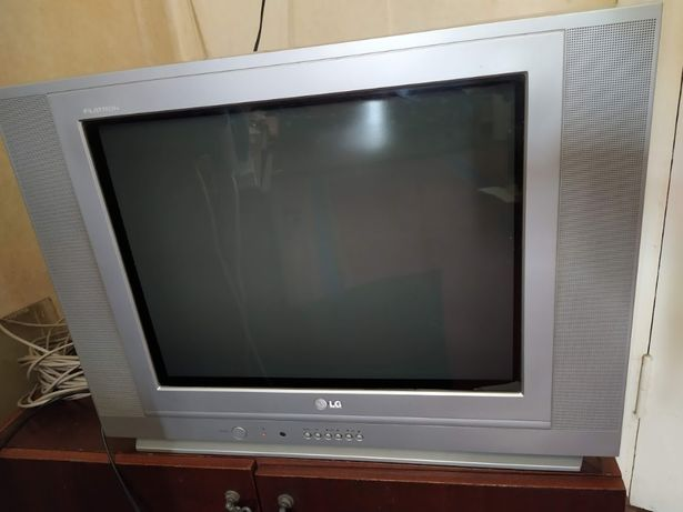 Телевизор LG, в подарок DVD RAINFORD
