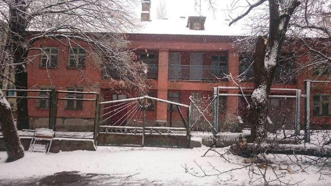Продам административное здание на ул. Выборгской 920 м.кв. Торг есть!