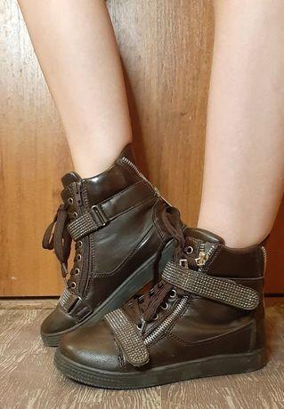 Ботинки для дівчинки