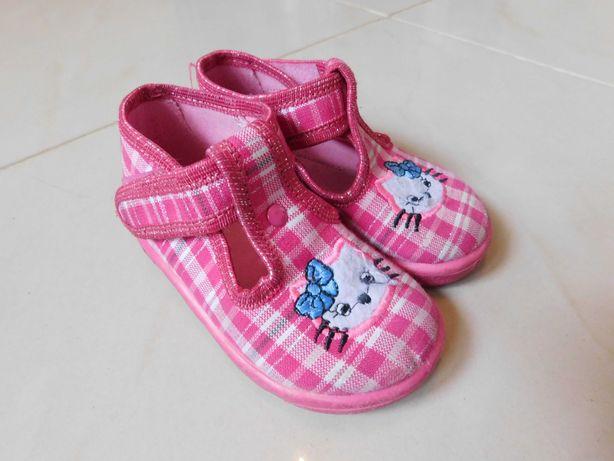 Kapcie, buty, buciki dla dziewczynki w roz. 20