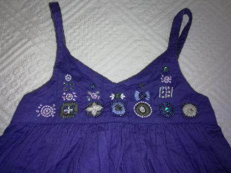 Vestido de menina Lili Graufet roxo bordado no peito com pompons