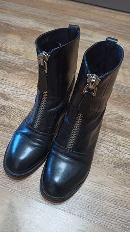Ботинки  женские 35 р