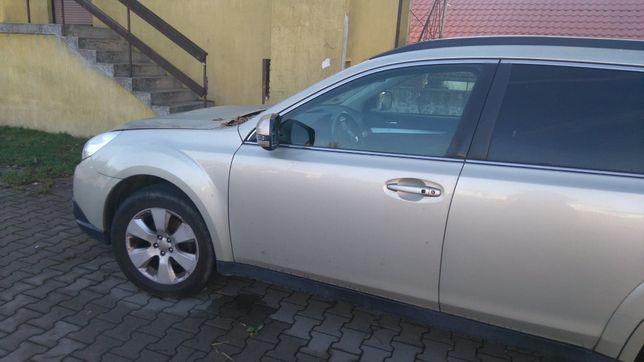 Uszkodzone Subaru Outback, 2010/diesel...