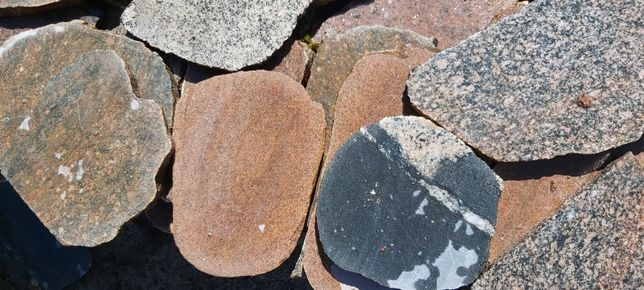 Kamień polny cięty plastry i połówki