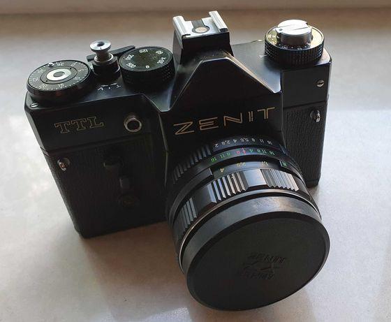 Aparat ZENIT TTL z obiektywem Helios 44M-4 2/58