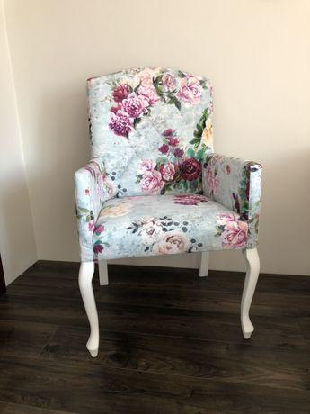 Fotel LUX krzeslo tapicerowane do toaletki PRODUCENT