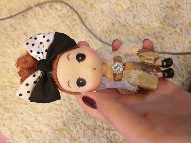 Маленькі ляльки і додатки