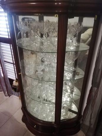 Cristaleira espelhada em excelente estado