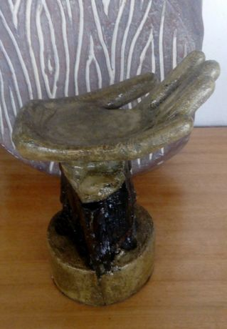 Peça decorativa em madeira e cimento