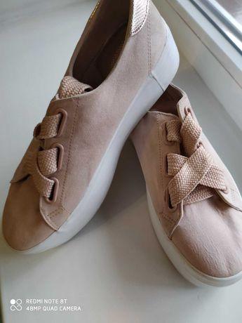 Стильные кеды, туфли Bershka