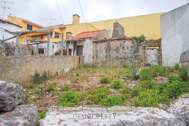 Casa Antiga em Ruina para reconstruir - Morelena