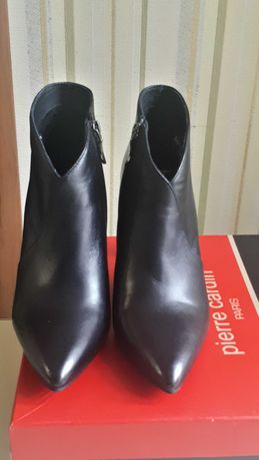 Ботинки,ботильйоны Pierre Cardin 38 размер