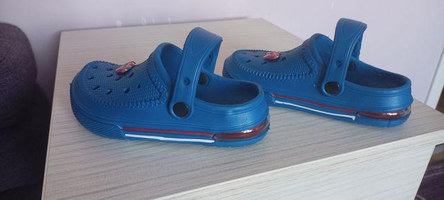 Buty, klapki dziecięce r.30