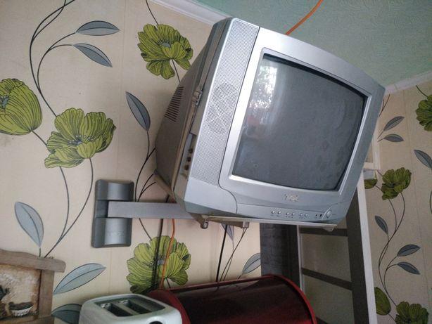 Продам маленький телевизор с креплением