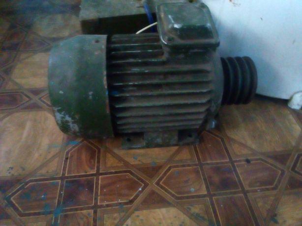 Продам електро мотор
