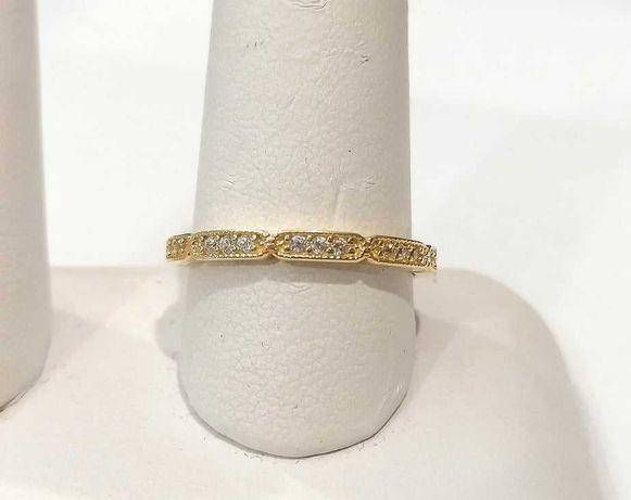 Złoty pierścionek próby 585 waga 1,93g . Rozmiar 16